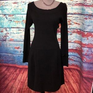 WHITE HOUSE BLACK MARKET KNITTED DRESS